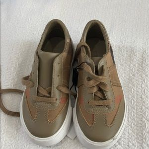 Small kids Burberry tennis shoes
